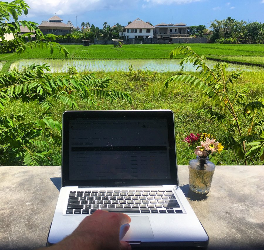 working as a digital nomad at C'ugh in canggu bali