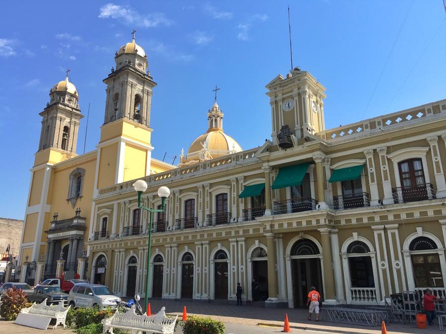 travel to manzanillo colima visit colima city and the main plaza