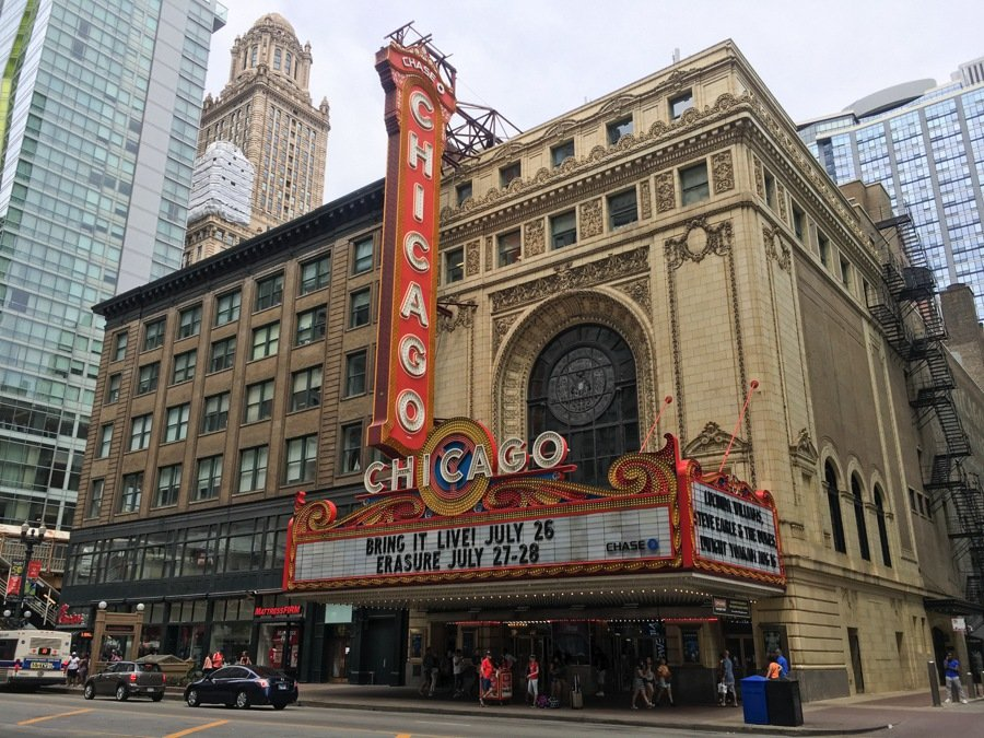 visit the chicago theater one of the best things to do in chicago