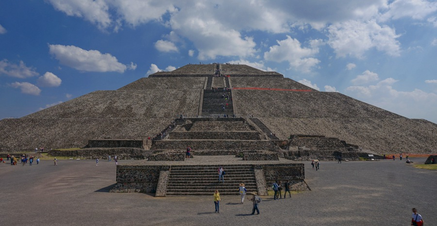 things to do in mexico city take a day trip to teotihuacan ruins