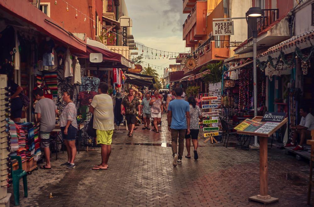 isla mujeres visit the market
