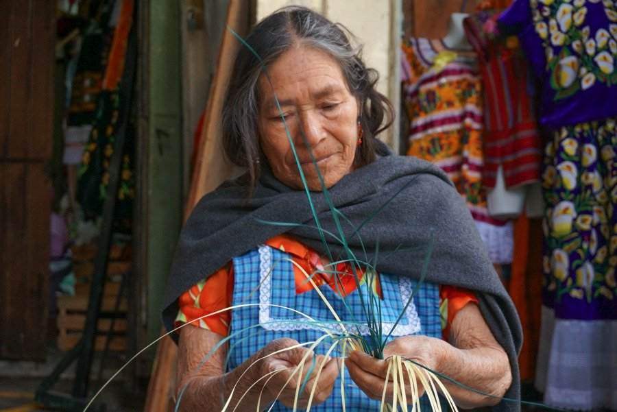 things to do in oaxaca purchase traditional souvenirs