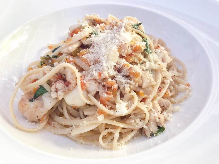 mount cinnamon restaurants serve lobster linguine