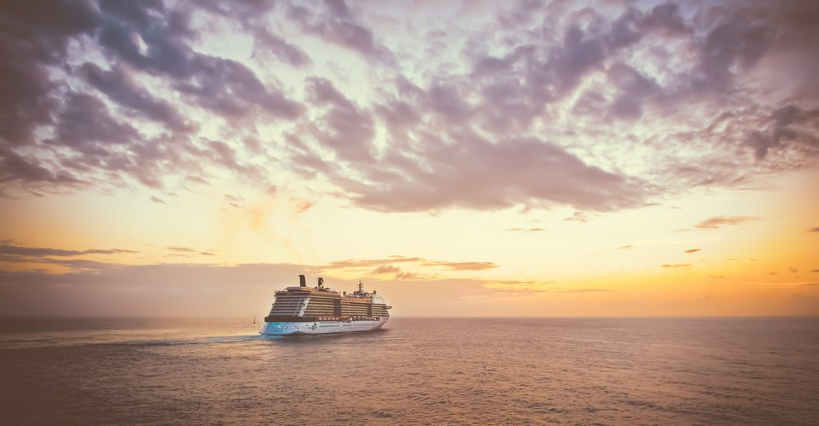 How To Find Cruise Ship Jobs: The Ultimate Guide - Goats On