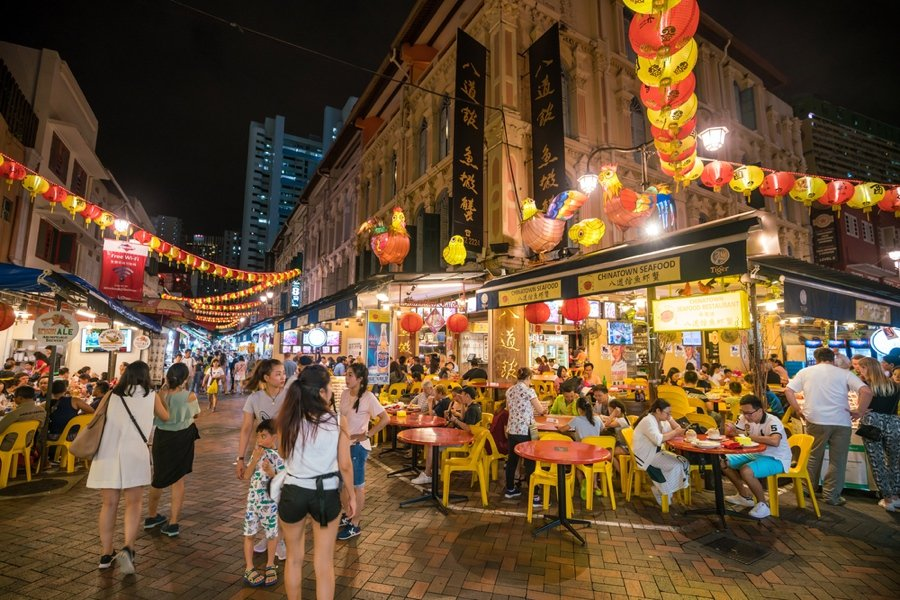 if you ask what to do in sinapore the locals will say visit chinatown