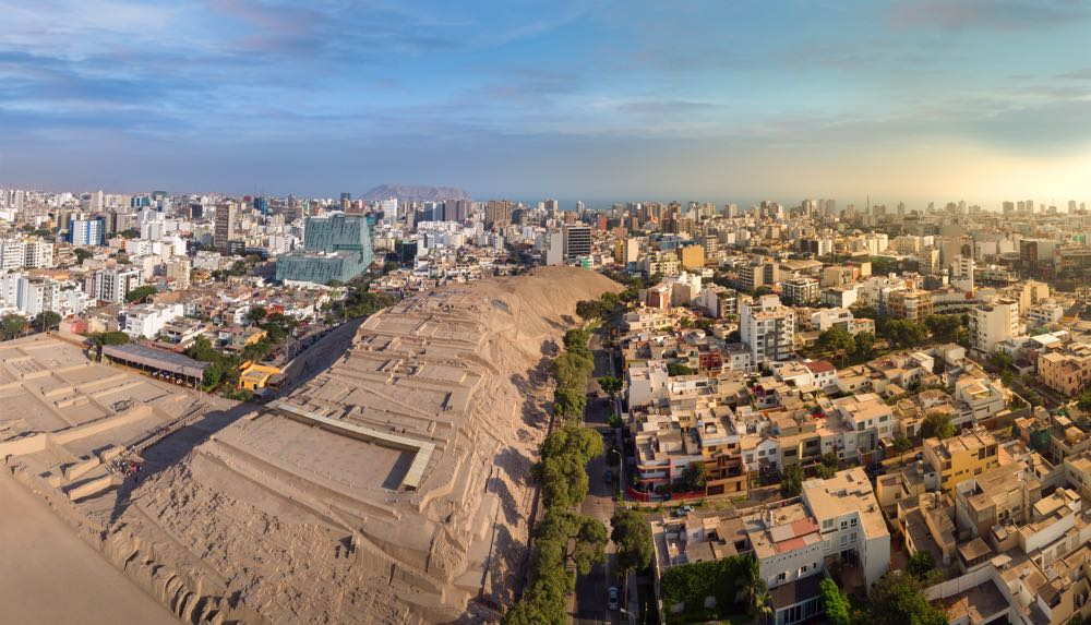 things to do in lima visit Huaca Pucllana