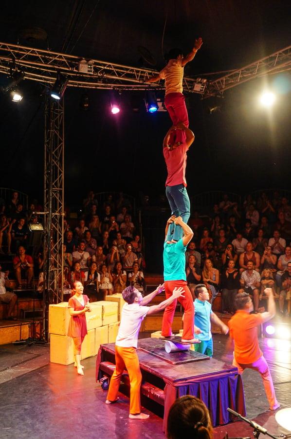 acrobats in siem reap