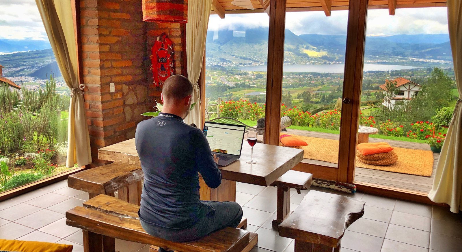 How Blogs Make Money Main Header Image