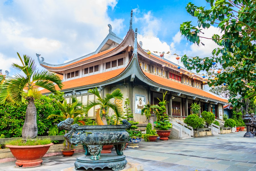 don't miss the pagodas and temples in ho chi minh