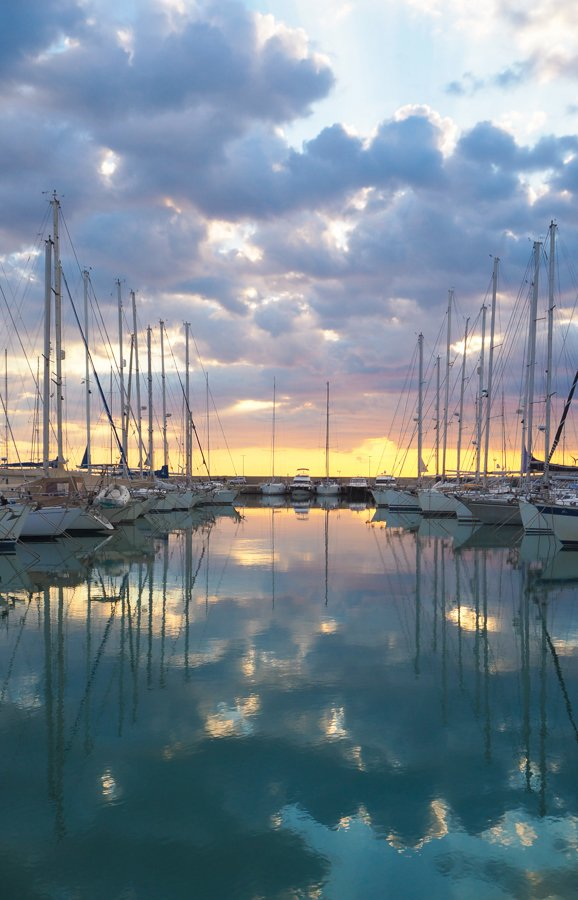 marina in sicily for people living on a sailboat