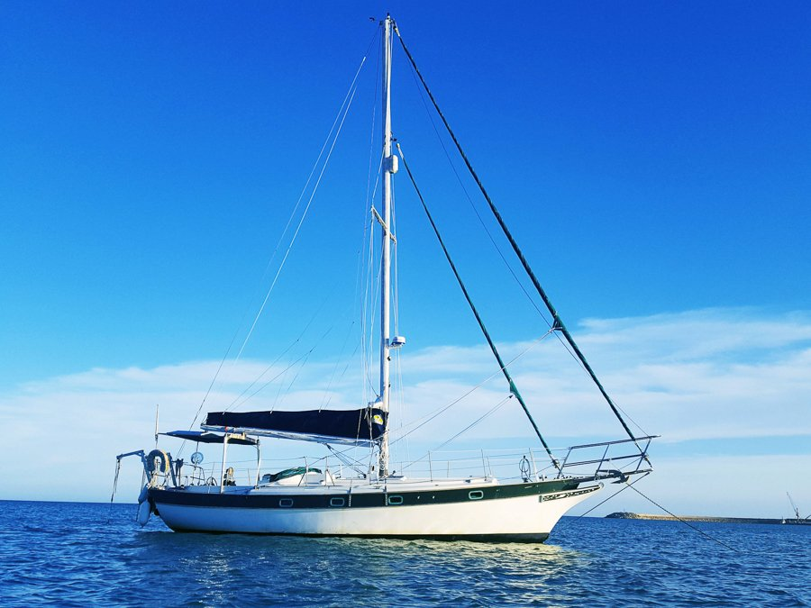 guide to living on a sailboat