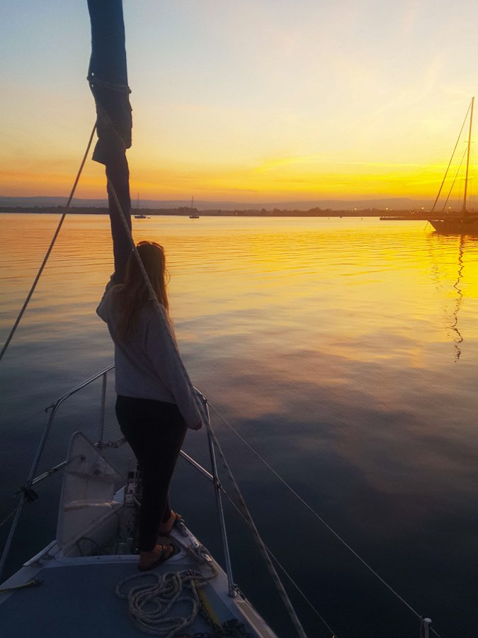 living on a sailboat watching sunset