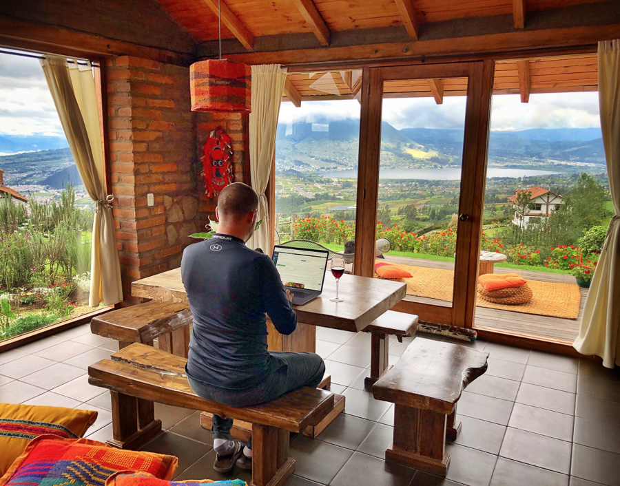 working as a digital nomad in ecuador