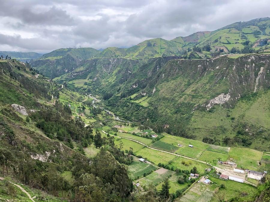 canyon viewpoint isinlivi to chugchilan quilotoa_