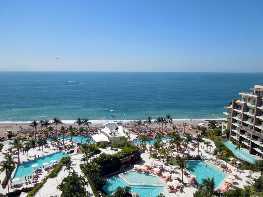 hotel zone in puerto vallarta_