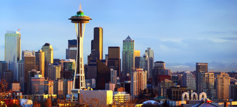Seattle Space Needle et les toits de la ville