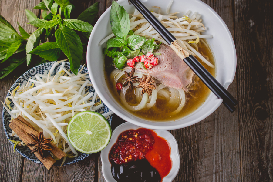 best food to eat when travelling in vietnam