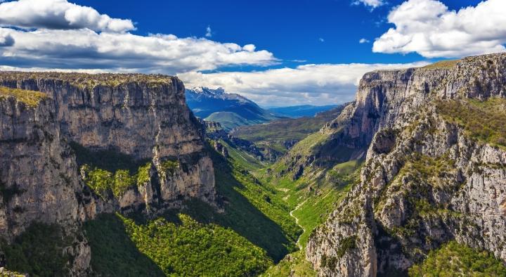 vikos gorge hike in zagori greece