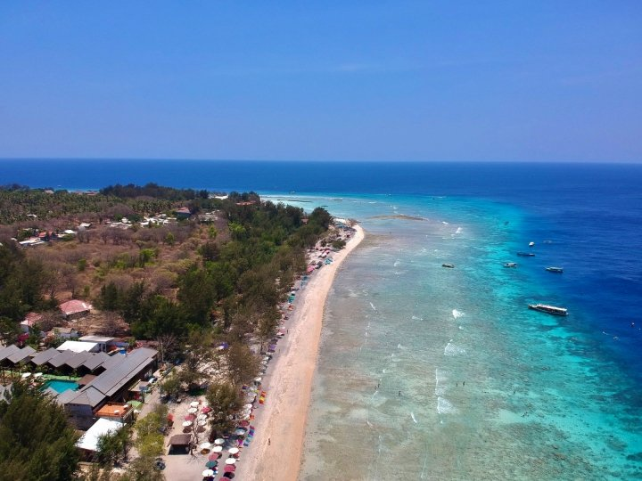 travel guide to gili trawangan beach