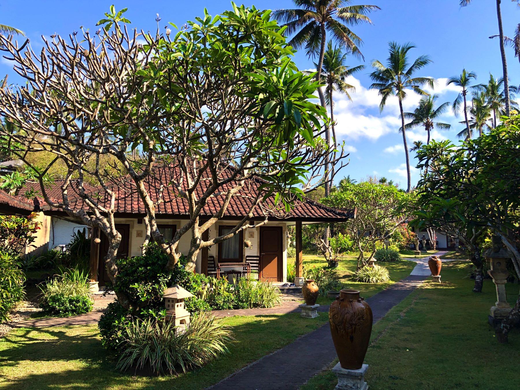 bungalow at lotus in candidasa