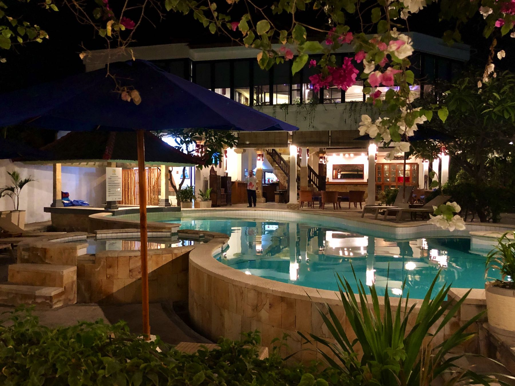 pool at villa almarik