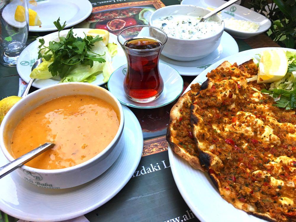 best food in turkey pide
