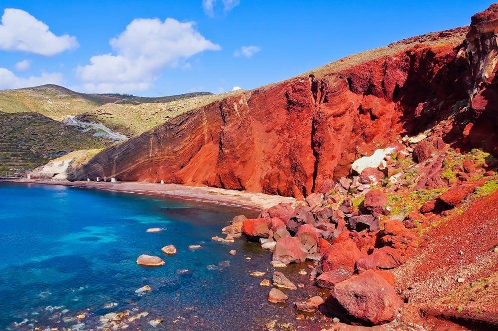 red beach on santorini