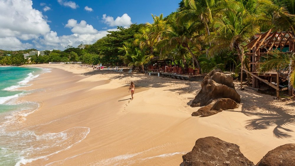 things to do in grenada magazine beach
