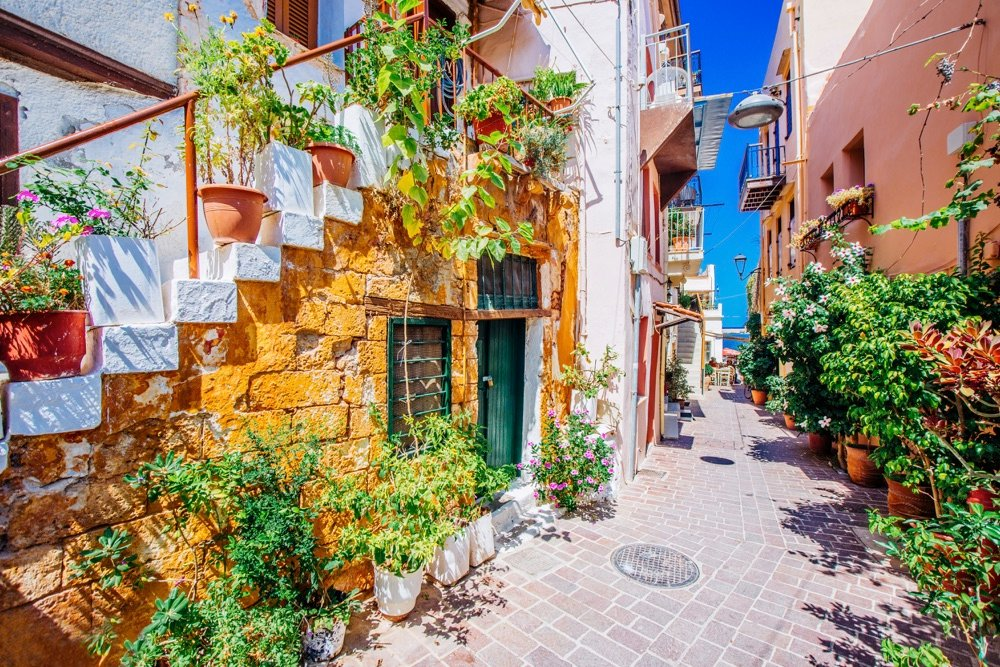 exploring the old town of chania when visiting crete