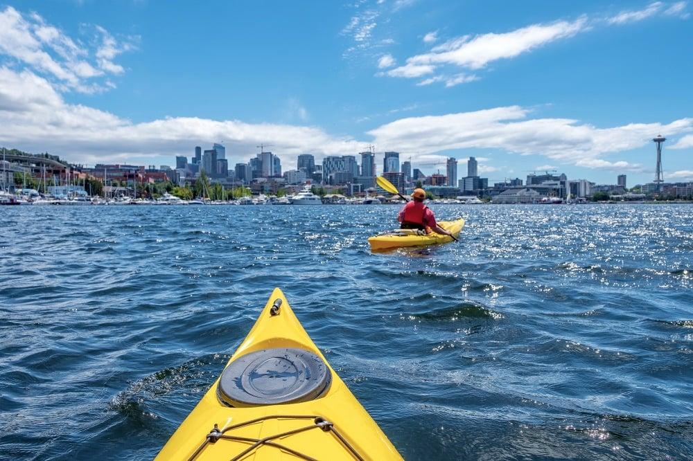 kayaking in seattle on a weekend