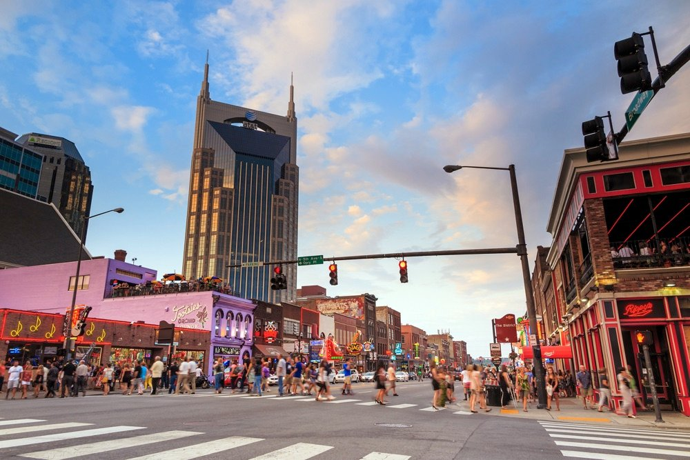 where to stay in nashville on a weekend