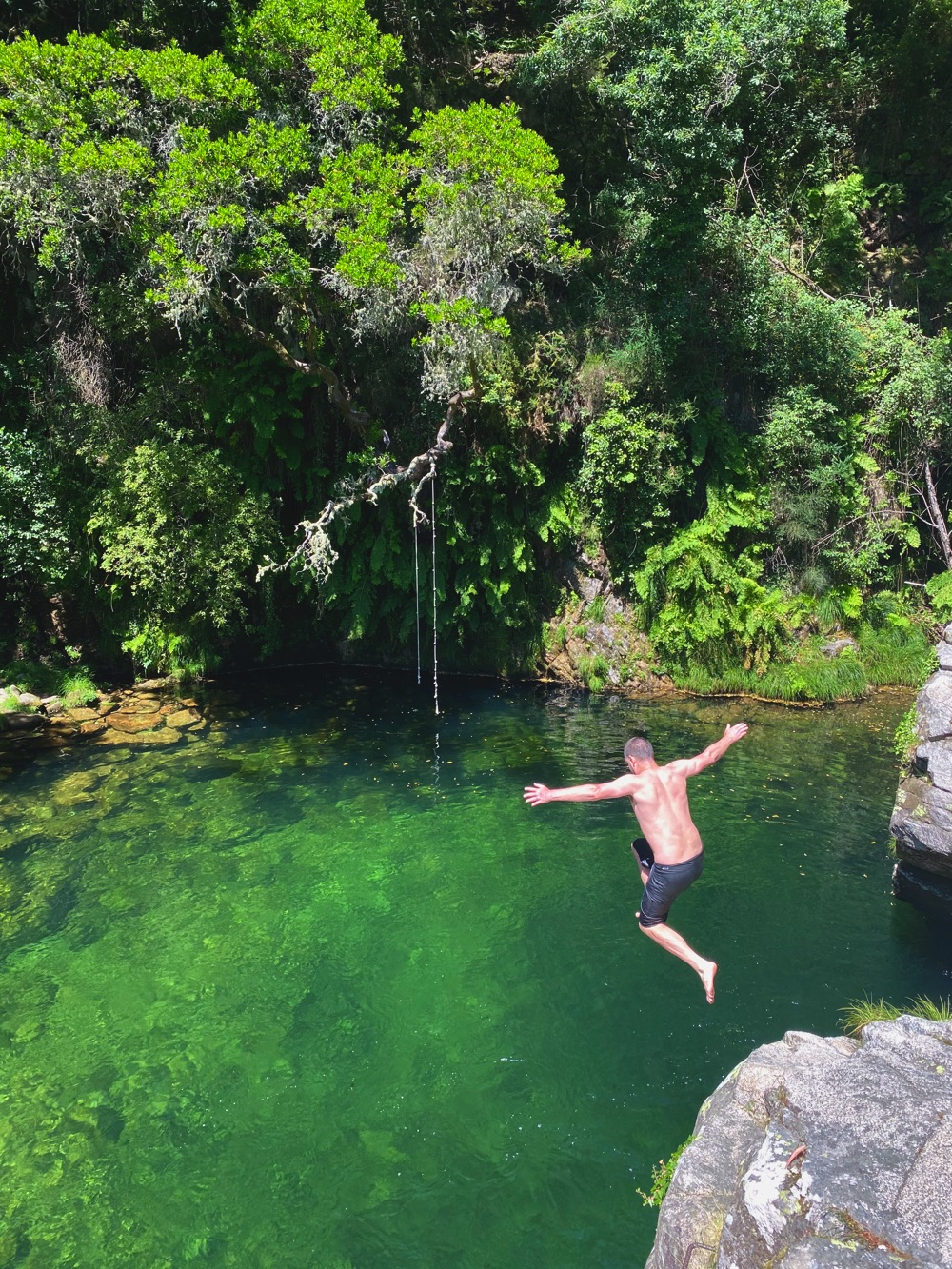 soajo natural pools jumping