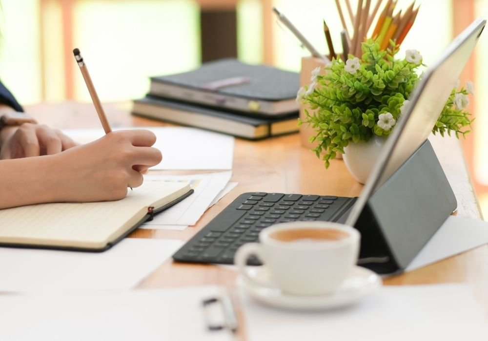 freelance writing jobs with SolidGigs