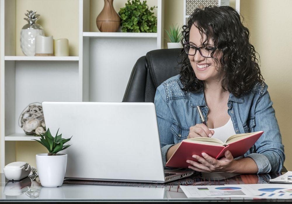 landing an online writing jobs for beginners