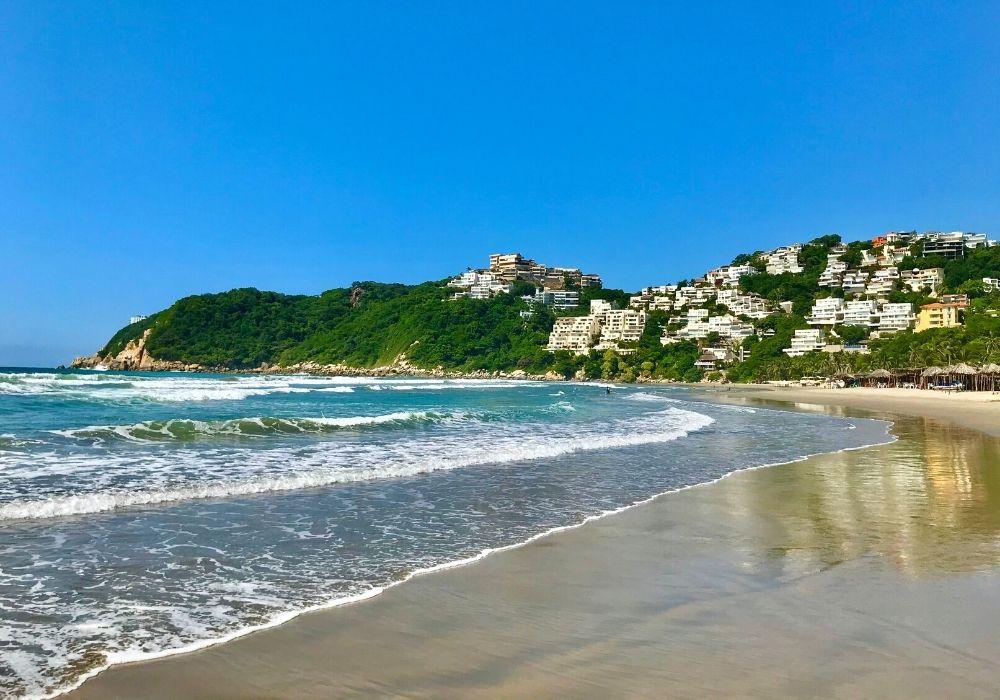 diamante beach in Acapulco