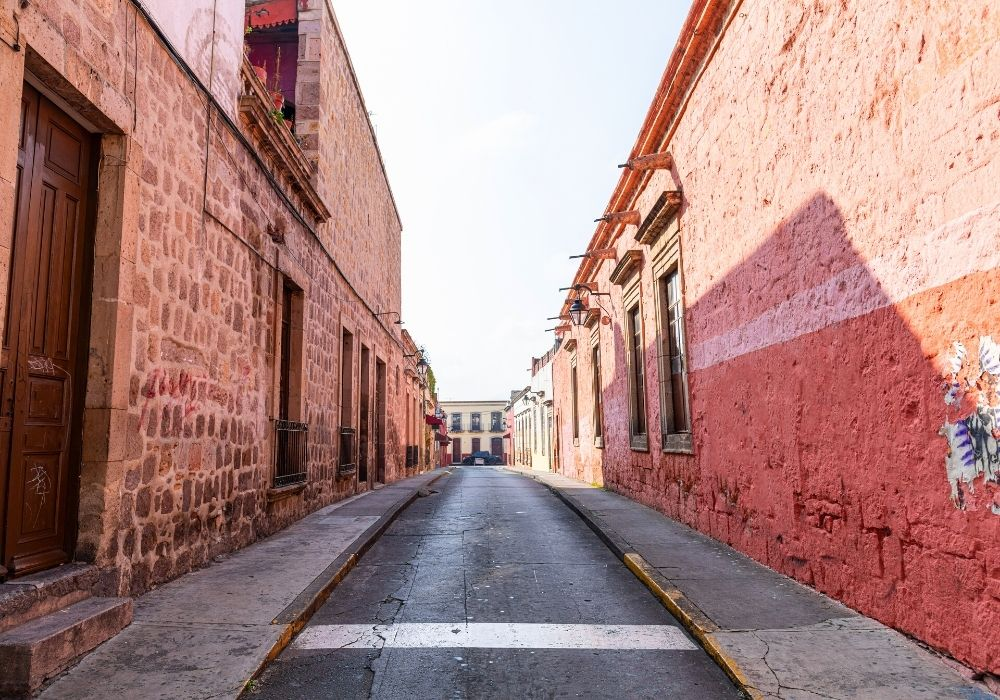 Date to the Alley of Romance in Morelia