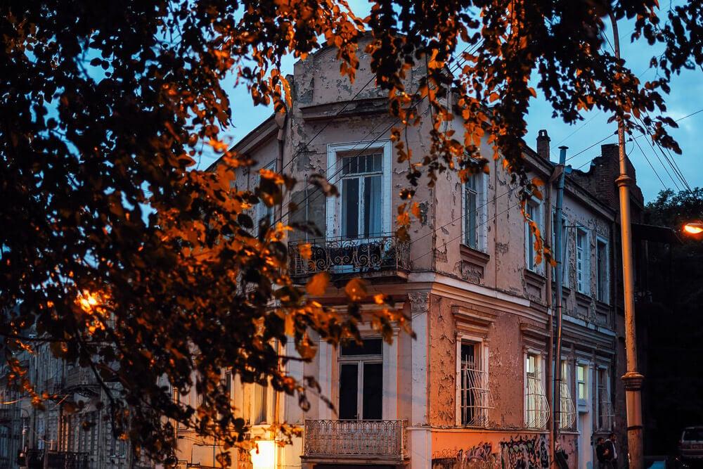 cost of living in tbilisi sololaki neighbourhood